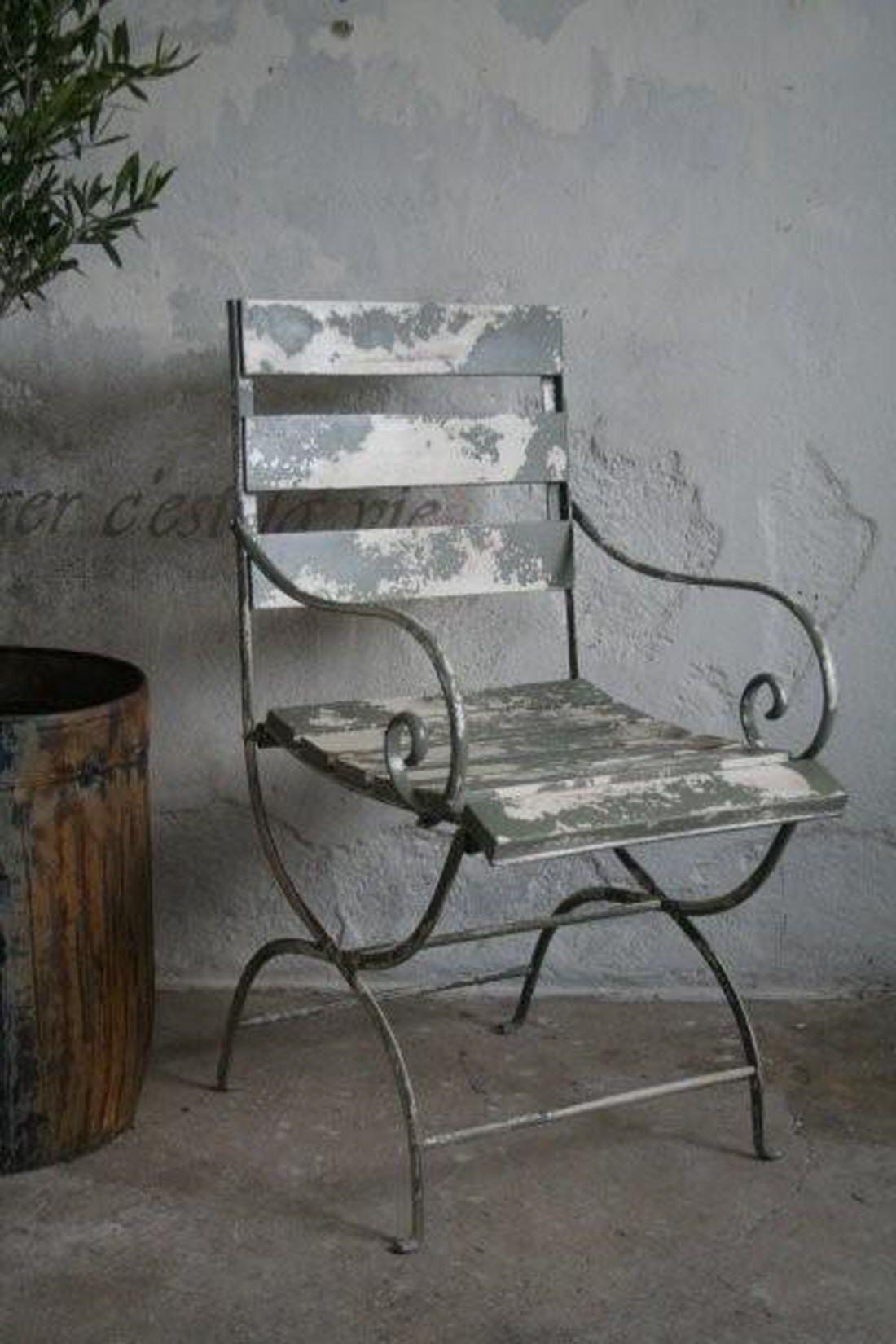 Set van 2 gepatineerde metalen tuinstoelen (inklapbaar) van Jeanne d'Arc Living bij Aviale.nl