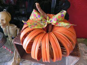 The Messy Roost: Mason Jar Lid Pumpkin