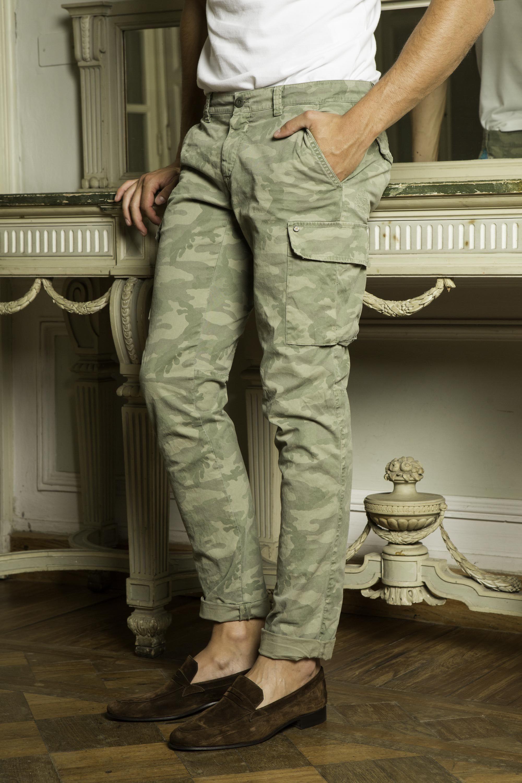 91c8a600c7 Pantalone Cargo Mason's Uomo modello Chile camouflage con ricamo ...