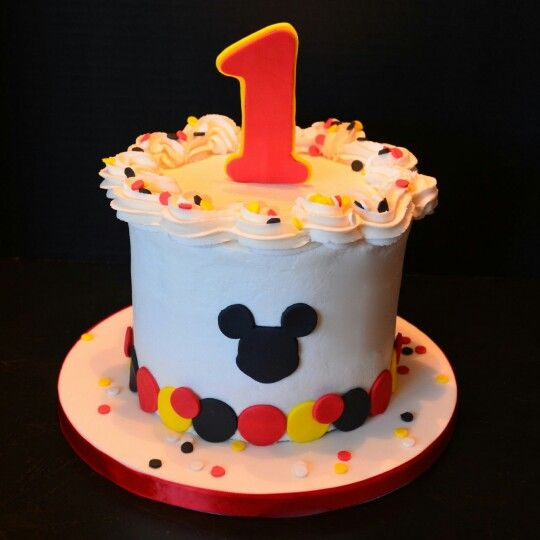 Mickey Mouse Smash Cake With Images Smash Cake First Birthday