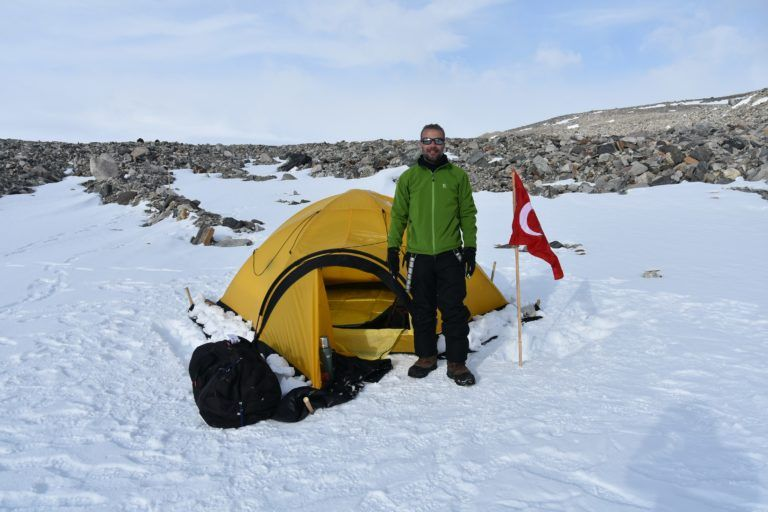 Antarctique Un scientifique turc recueille plus de 10 000