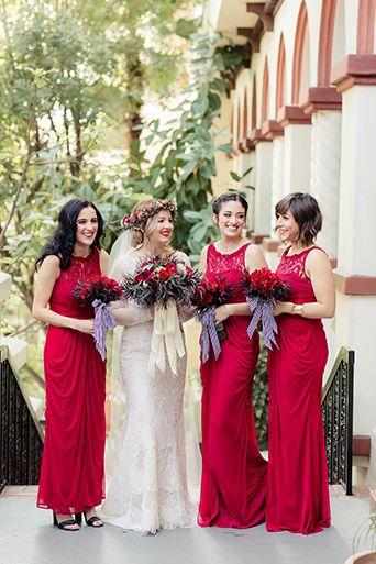 los Ángeles de la boda en el vestido de novia de encaje fundación