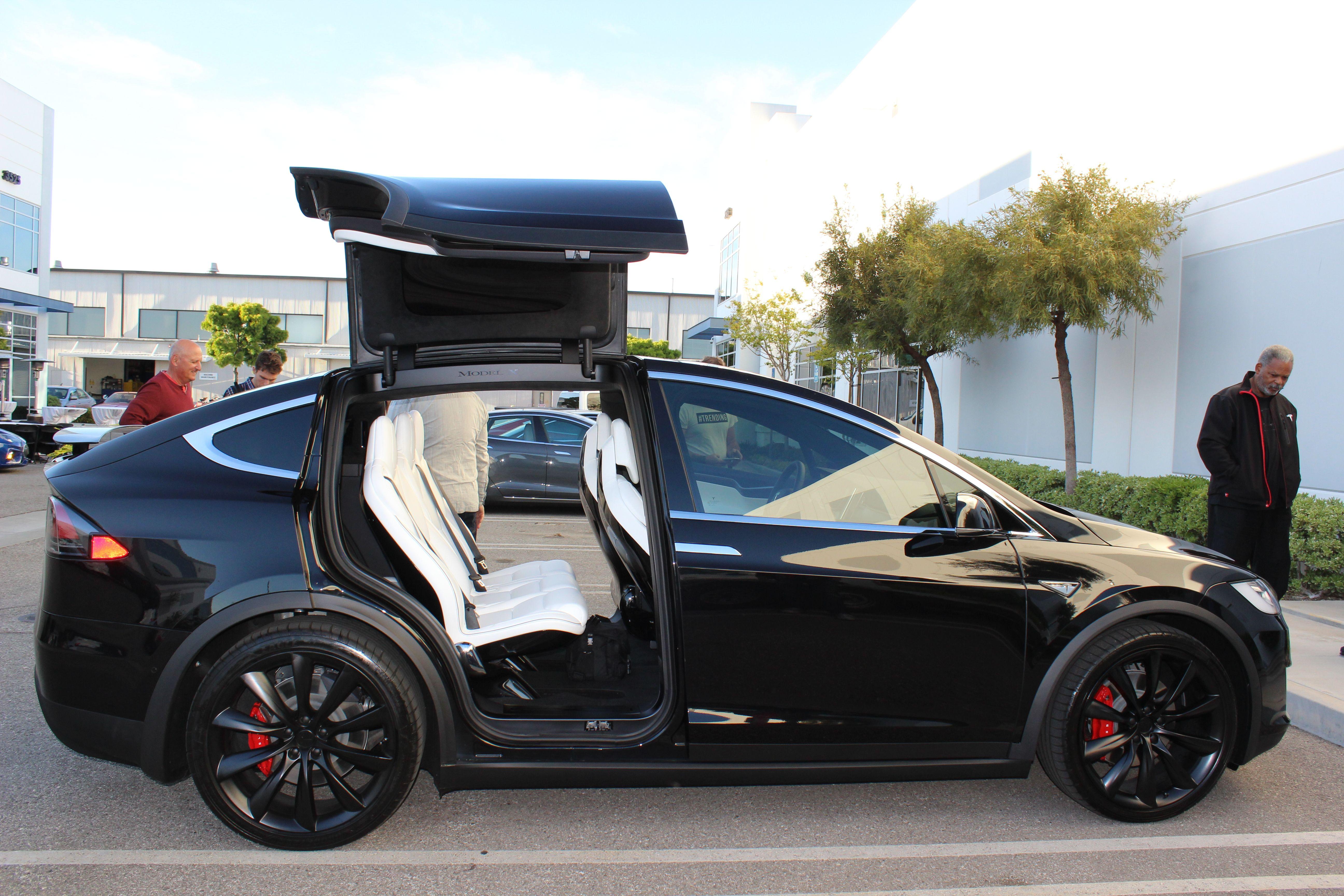 Spotted Brand New Tesla Model Xs Outside Secret Apple Car Autonomous Driving Office Best Suv Tesla Model X Best Midsize Suv