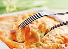 """Se você gosta de fusili, ou o macarrão parafuso, vai adorar a receita de <a href=""""http://mdemulher.abril.com.br/culinaria/receitas/macarrao-cremoso-ao-forno-403049.shtml"""" target=""""_blank"""">macarrão cremoso ao forno</a>. A textura saborosíssima fica por cont"""