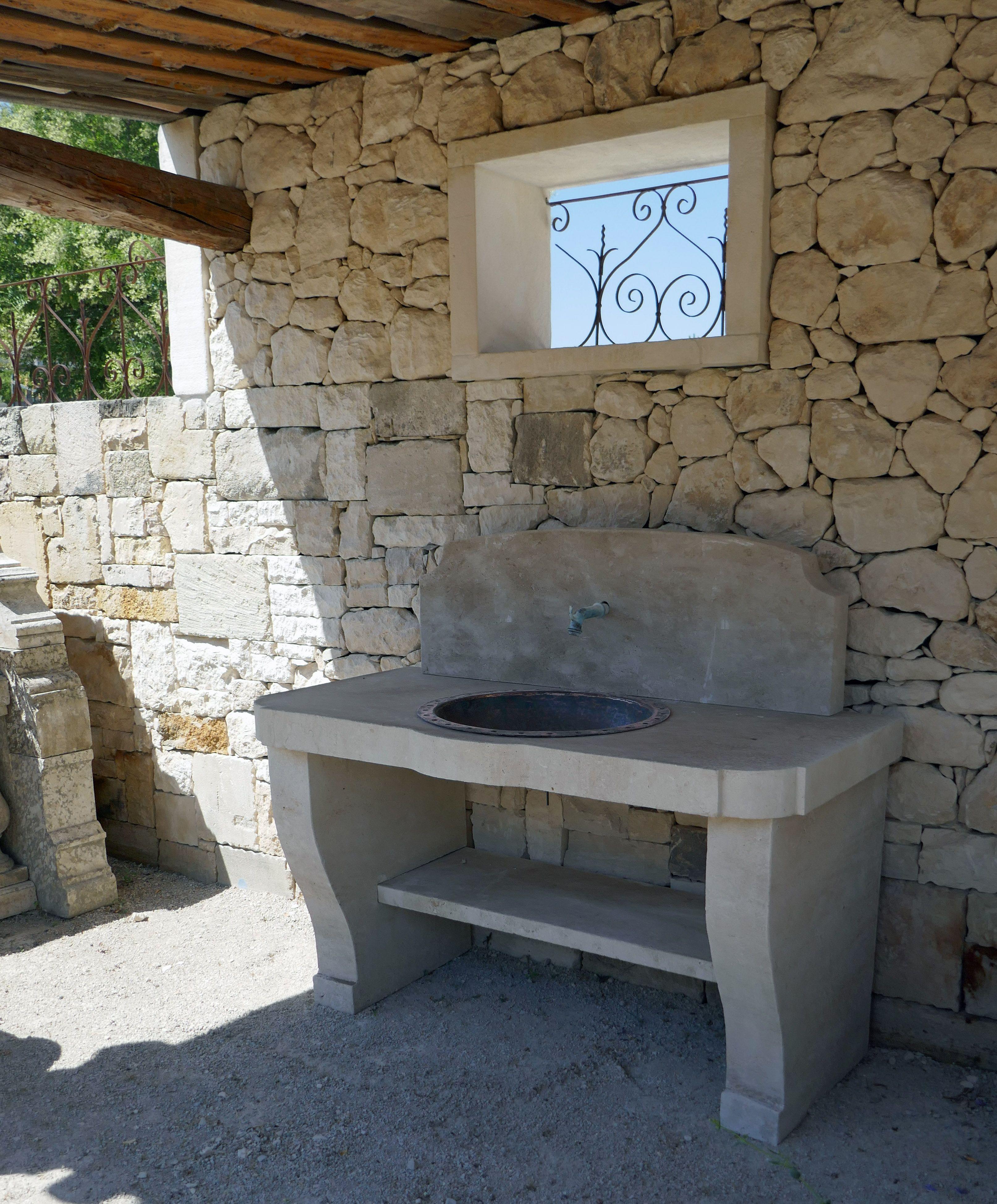 Evier Pour Cuisine D Été cet élégante cuisine d'été allie à la perfection la pierre