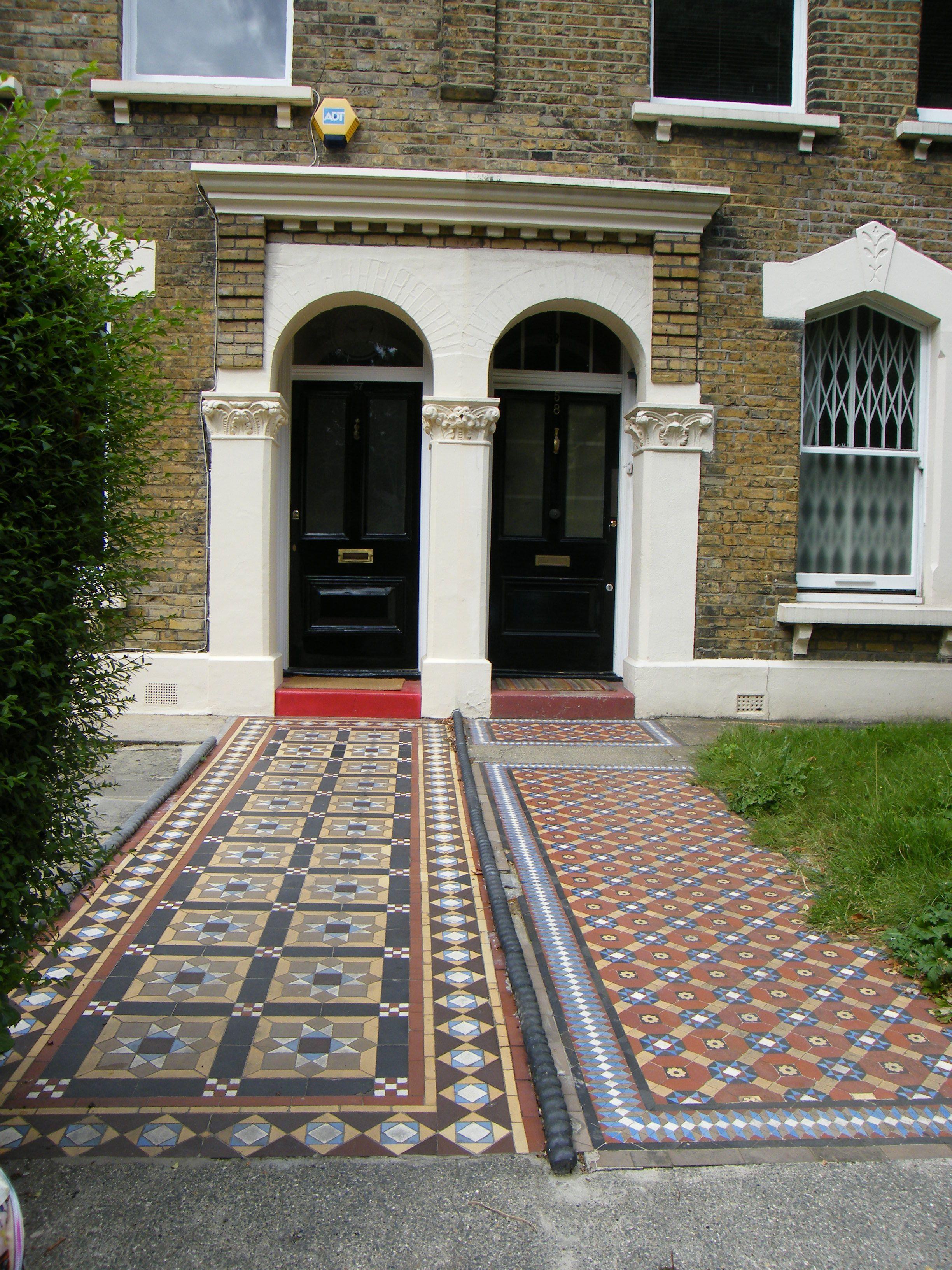 Hackney London Floor Mosiac Picture Made By Marielle Beemer Natural Flooring London Park Floor Design