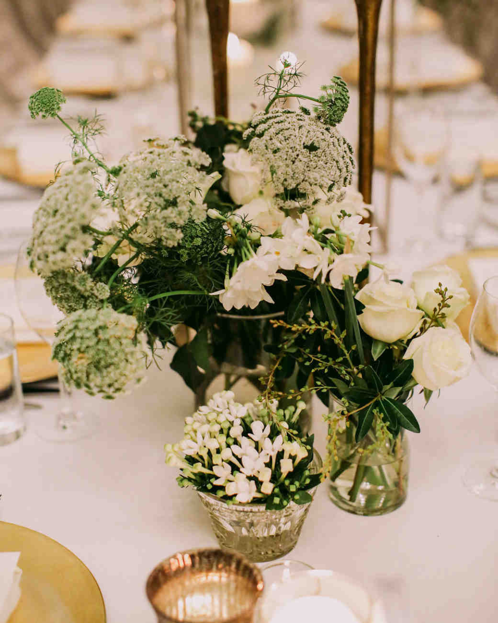 Amazing Inexpensive Centerpieces For Weddings Father Of Trust Designs In 2020 White Wedding Centerpieces Affordable Wedding Centerpieces Flower Centerpieces Wedding