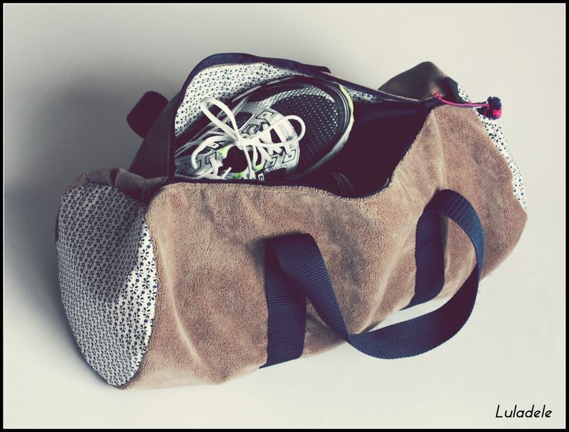 la sac polochon luladele diy my diy luladele s creation pinterest sac de sport de. Black Bedroom Furniture Sets. Home Design Ideas