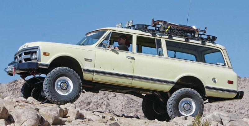 Barn Find 72 Suburban 2500 Expedition Portal Chevy Suburban Classic Pickup Trucks Chevrolet Suburban