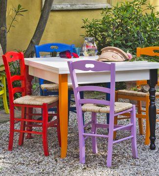 Tavoli e sedie accessori per la casa su - Sedie colorate per cucina ...