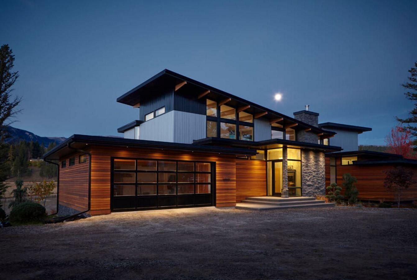 Casa con techo inclinado y estilo rustico casas pinterest techos inclinados rusticas y - Casas con estilo rustico ...