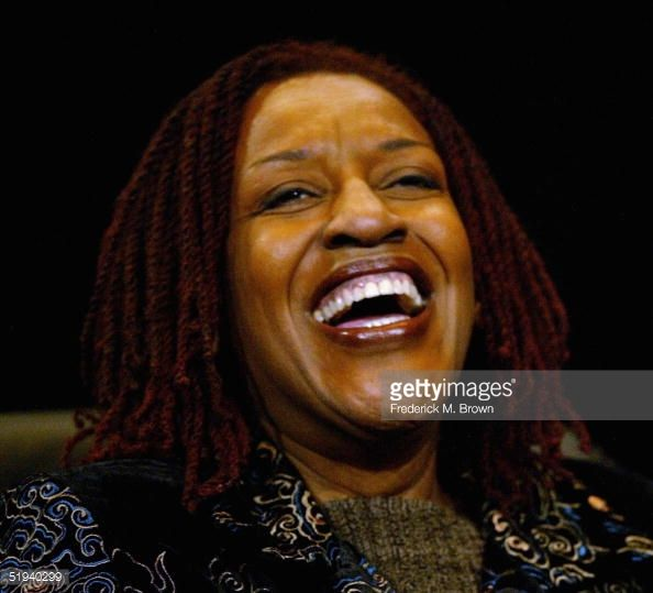 51940299-actress-cch-pounder-reacts-to-a-question-gettyimages.jpg (594×539)