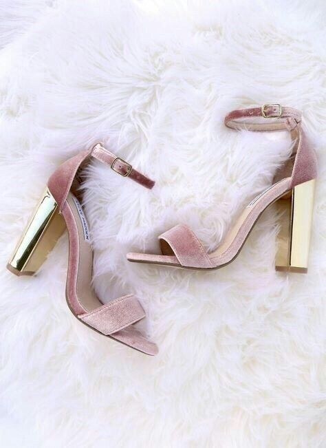 bf2863d13552c3 Pinterest   faithrw721 Pink Heels Outfit