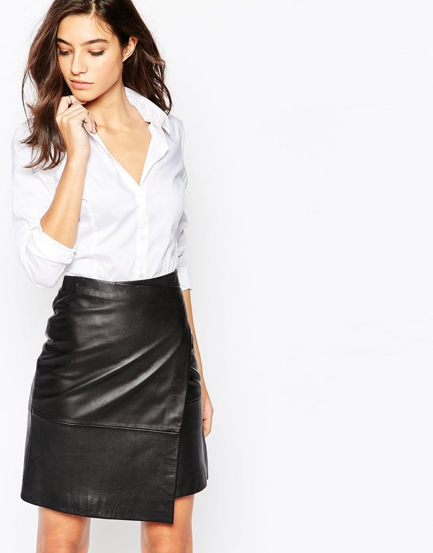 Classic tailored shit perfect for work style it with a pair of