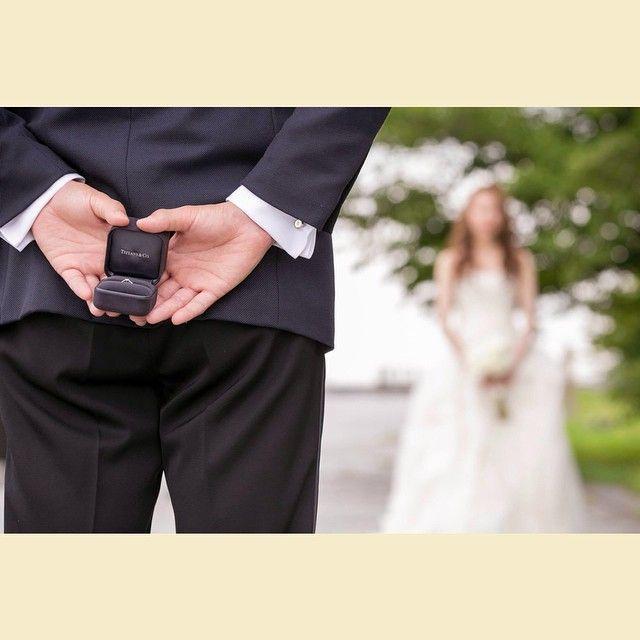 プロポーズ再現ショットは前撮りおすすめのポーズ Marry マリー 結婚式の写真撮影 ウェディング 前撮り 参考写真 結婚式 前撮り ポーズ