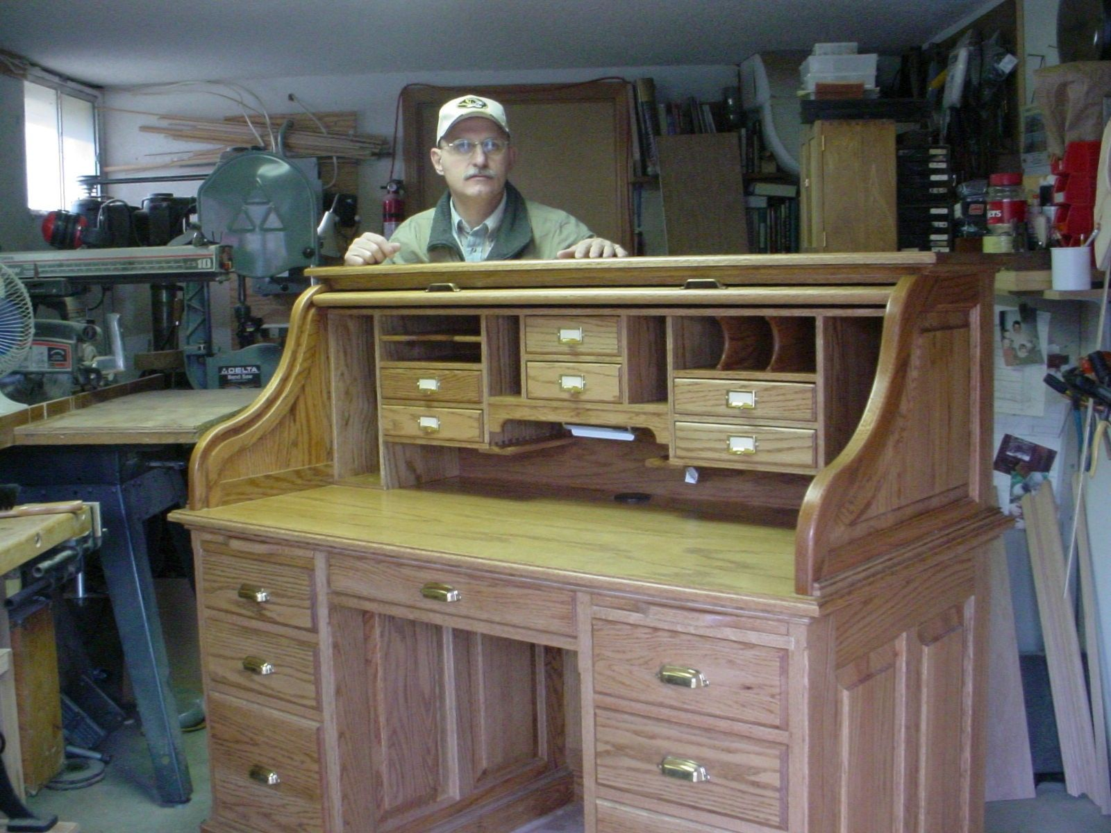 Abner Cutler Norm Shows You How To Build A Roll Top Desk Part 1 Of 2 And Was Wondering If You Co Wood Projects For Kids Woodworking Desk Woodworking Desk Plans