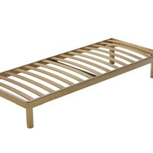A Queen Bed How Many Slats And What Type Of Wood How To Make