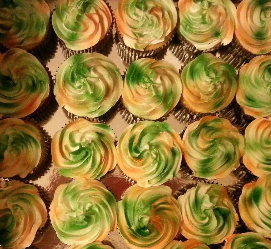 Camo airbrush cupcakes!