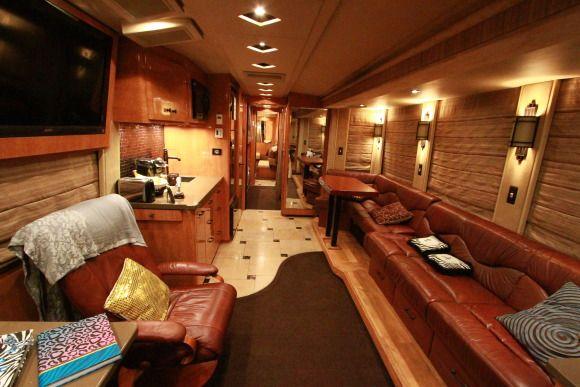Lauren Alaina S Tour Bus The Living Room Of Lauren Alaina S Bus