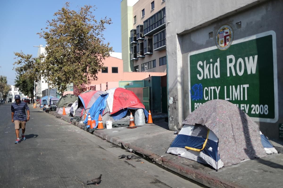 Top Los Angeles Homeless Official Steps Down As Crisis Deepens Los Angeles California City Homeless
