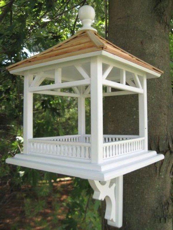 Vogelfutterhauschen Gibt Ihrem Garten Einen Lustigeren Look Dackel