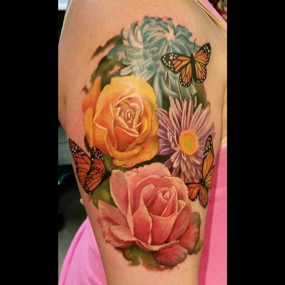 Photo of Realistische Blumen mit Schmetterlingen Tattoo auf der rechten Ärmelhälfte # Tattoosonneck