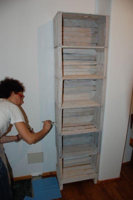 Costruire una libreria con cassette della frutta il for Cassette di legno ikea