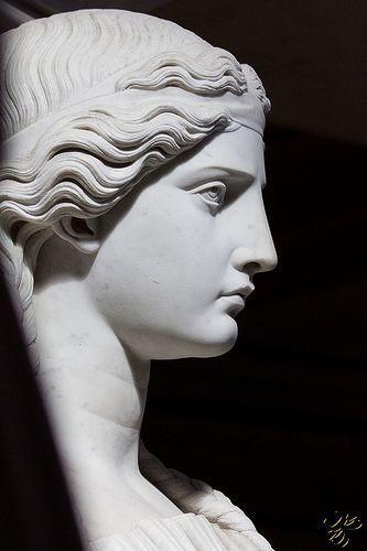 Victory #greekstatue Victory | por Thierry Poupon #greekstatue Victory #greek ...