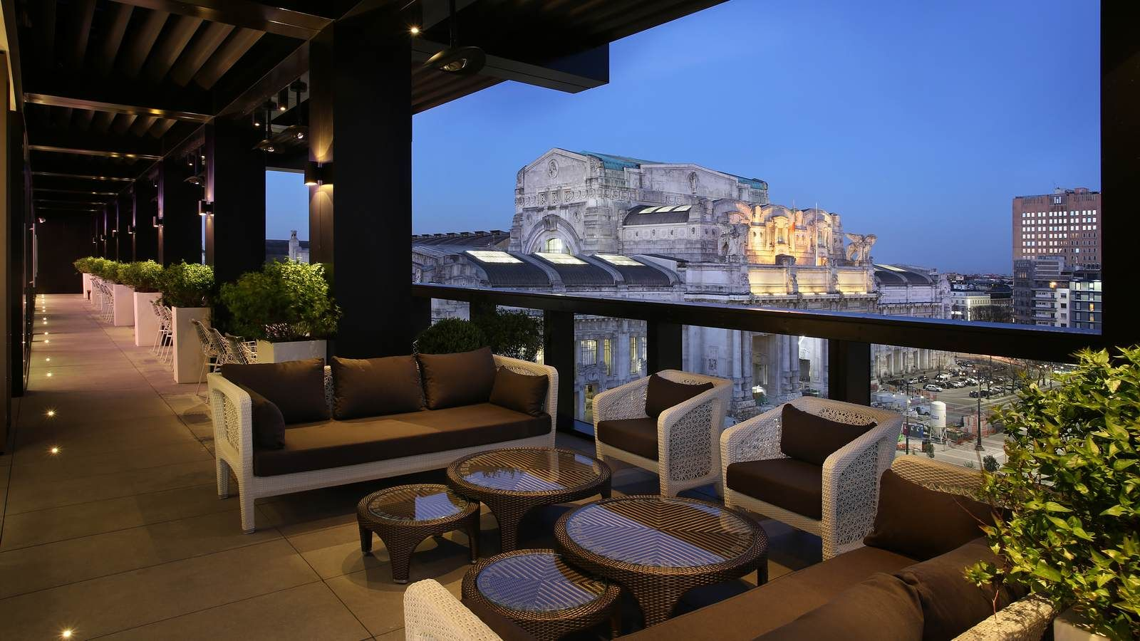 Outdoor terrace of Terrazza Gallia with Milano Centrale view ...
