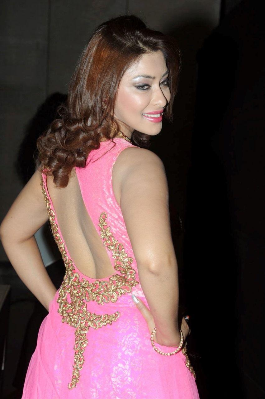Payal Ghosh Hot Photos in Bikini (3) - Celebrity Photos HD