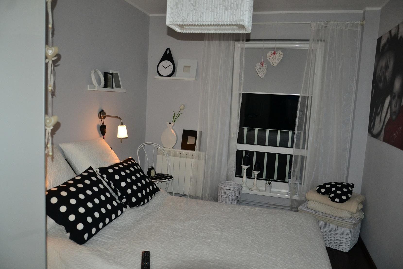 Mała Sypialnia W Bloku Szukaj W Google Wnętrza
