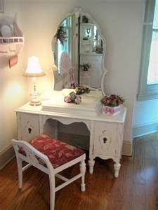 Lovely Little Vanity Nook