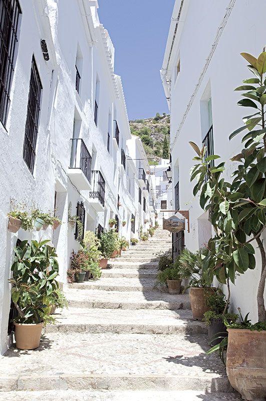 Frigiliana no hay un pueblo blanco y andaluz con m s encanto viajes travel pinterest - Casas rurales con encanto pais vasco ...