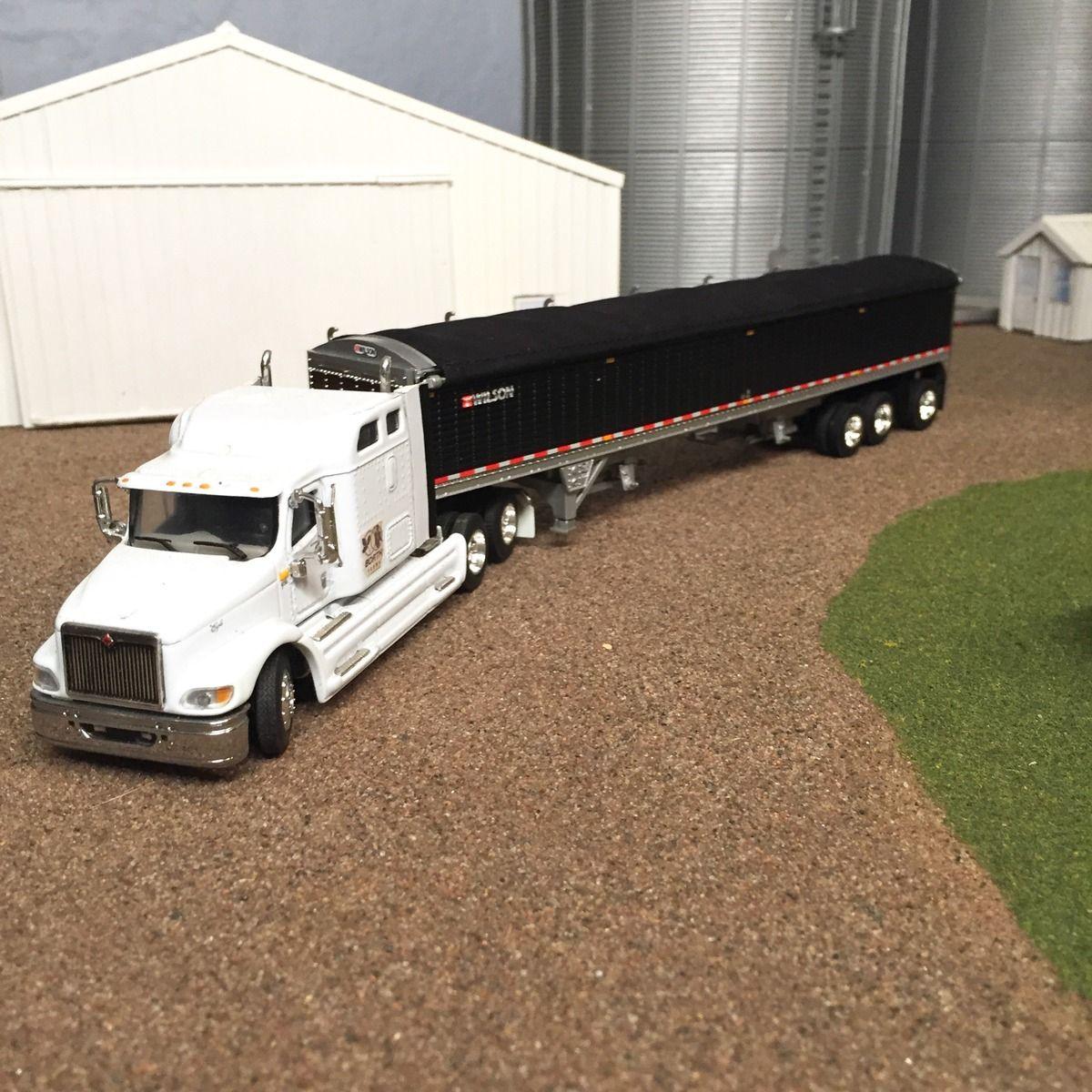 1 64 scale trucks and trailers - Dcp Ertl Custom Horse Trailer Farm Toy 1 64 Custom Trailers Toy And Farming