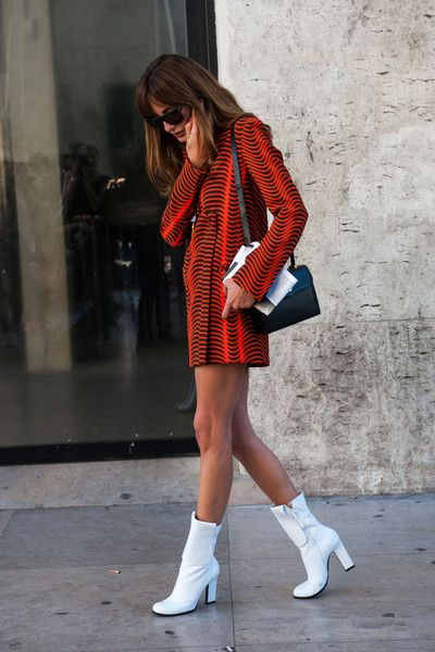 Retro inspired street style. Mod-tastic mini dress and boots at Paris Fashion Week Spring 2015 #retro #60s #pfw
