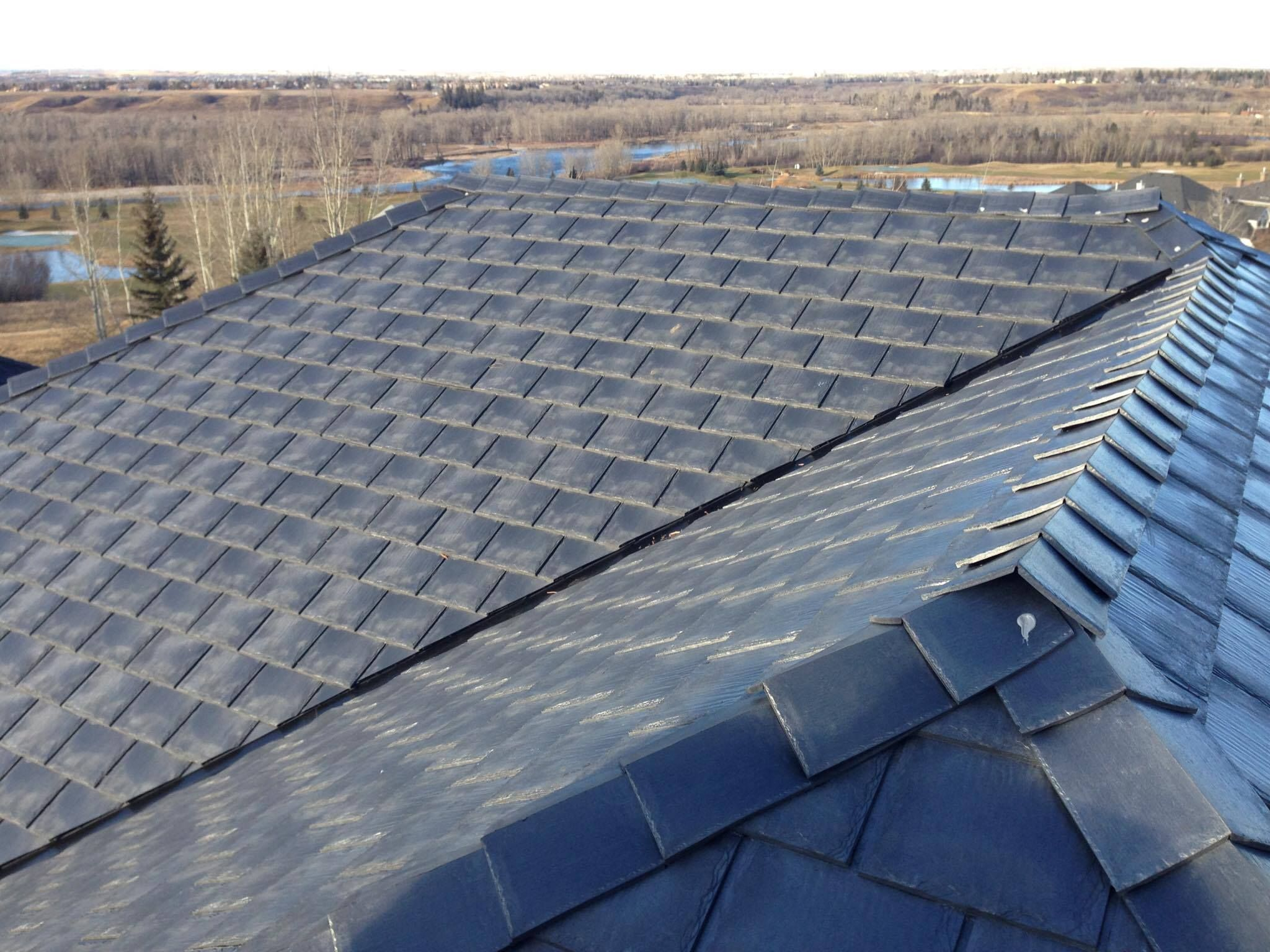 Heritage Slate In Sterling Grey Home Roof Heritage Slate Grey Roofing Roofingmaterial Rubber Lifetimewarranty Authenti With Images Rooftop Garden Roofing Rooftop