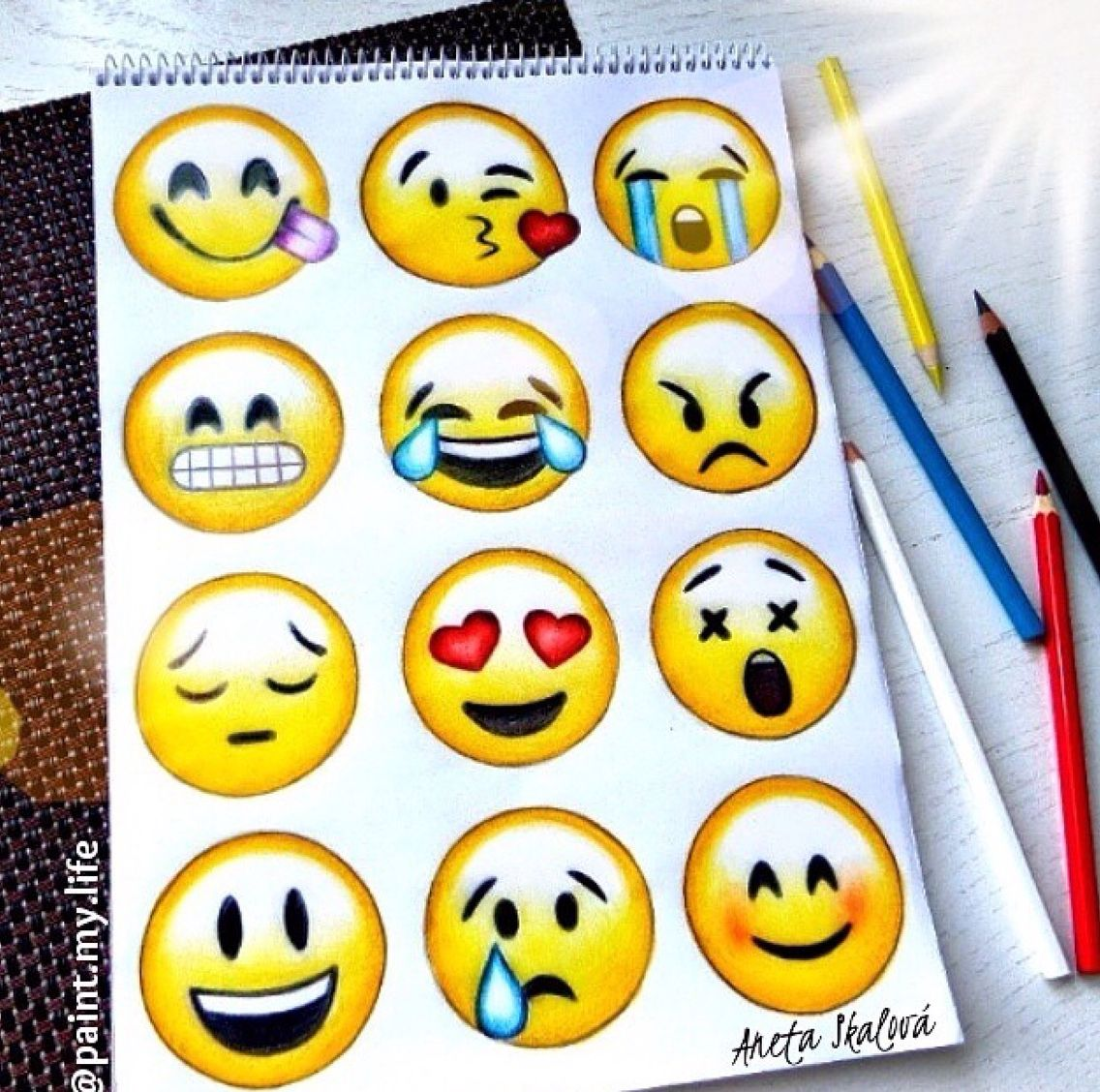 Emoji Drawing A Cool Quick Sketch To Do When Ur Bored Dessin Smiley Dessin Emoji Et Dessins Colores