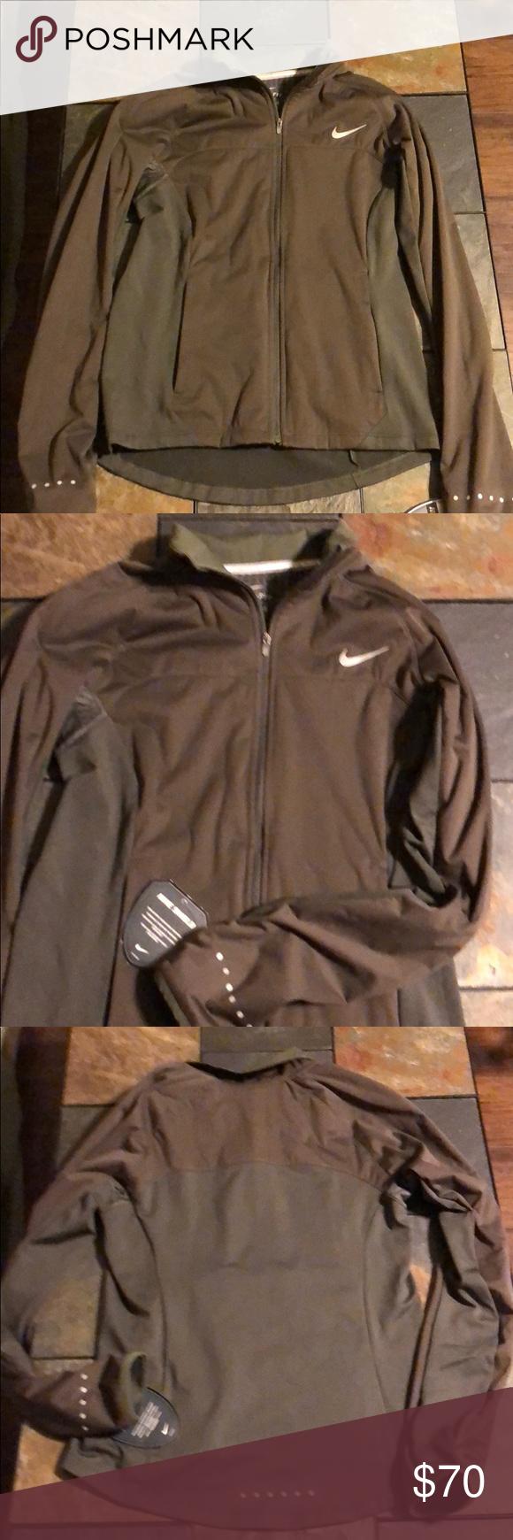 Nike dri-fit thermal jacket size small Women s element shield 2.0 jacket  running jacket. light lining. reflective material at wrist  6aeb3c5b1