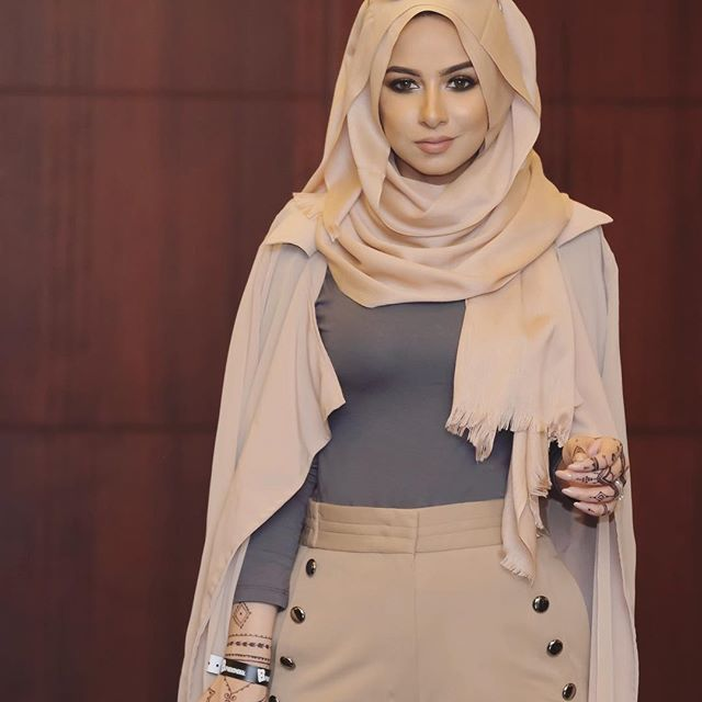 b19d896b6fee Nudes.. Scarf and Cardigan are available on my website www.sohamt.com