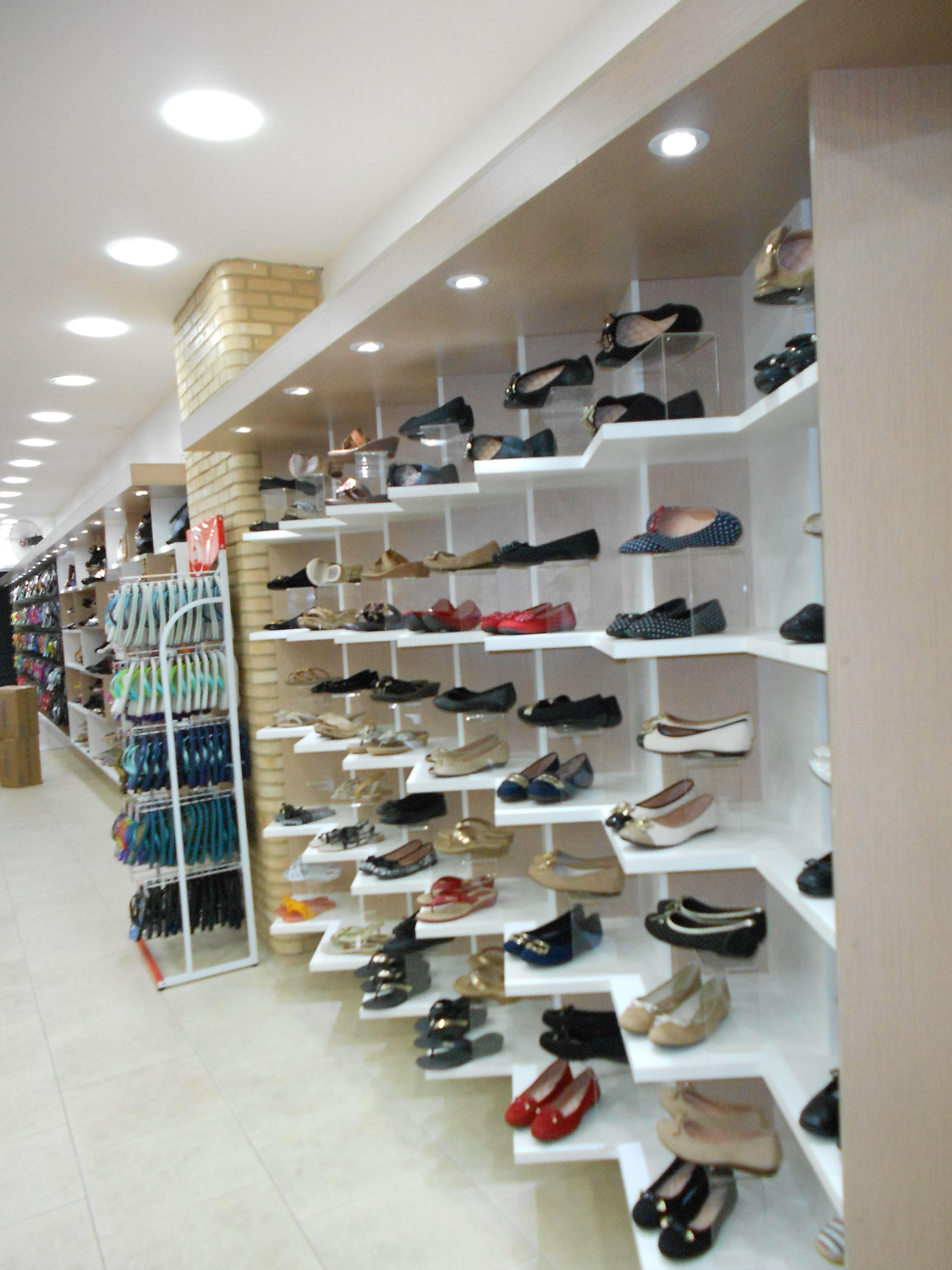 5e7f158f44860f Projeto de marcenaria para loja de sapatos, bolsas e acessórios Security  Check Required Ideias De