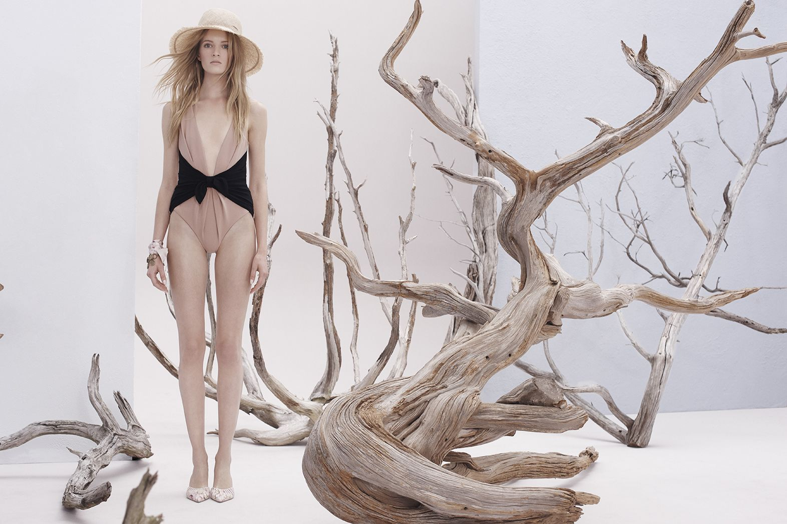 ZIMMERMANN Resort Ready-to-Wear 17 Collection | Zimmermann Designer Resort wear | Women Swimwear