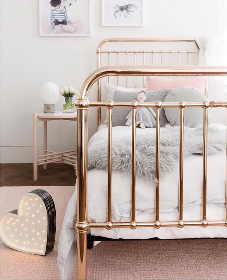 Best 25 Rose Gold Bed Ideas On Pinterest Rose Bedroom
