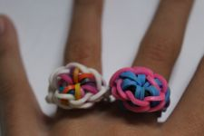 Starburst Ring. http://www.mastermindtoys.com/Rainbow-Loom-and-Related-Products.aspx