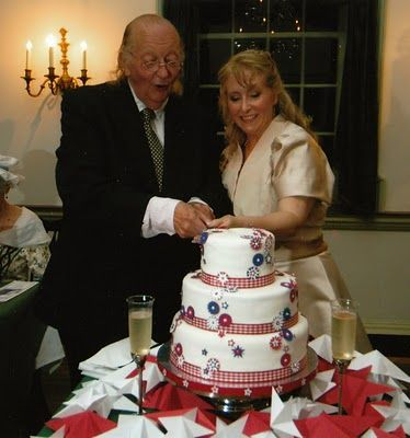 This is Ralph Archbold & Linda Wilde, who play Ben Franklin and ...