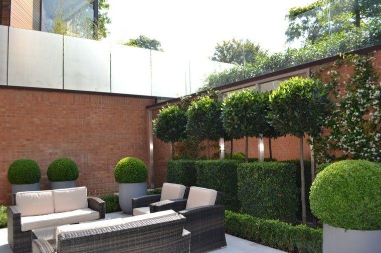 Diseo de jardin pequeo con muebles mimbre jardin pinterest for Jardines de patios modernos