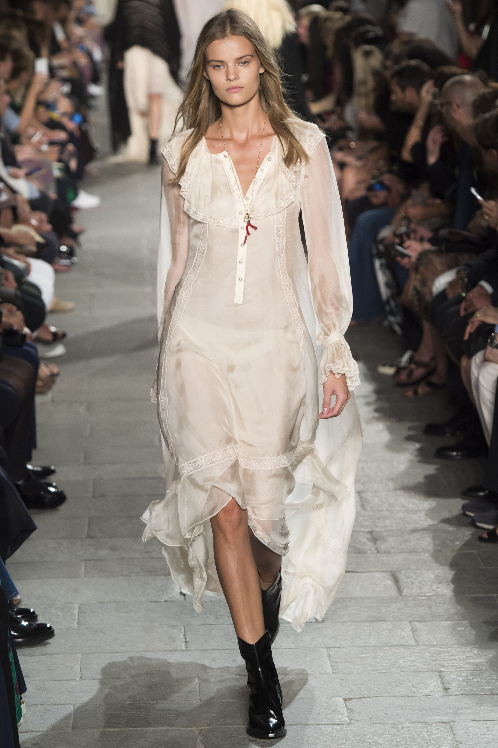 Philosophy di Lorenzo Serafini Spring 2016 Ready-to-Wear Fashion Show - Julia Jamin