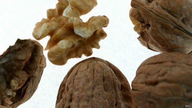Frutas secas (BBC) : Consumo aumenta longevidade .