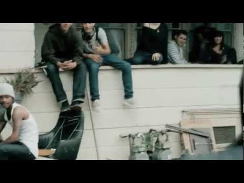 Machine Gun Kelly - Invincible ft. Ester Dean. (fucking awesome)