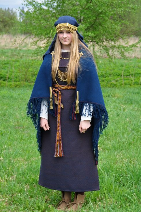 Ancient Semigallian woman's dress. | Ancient Latvians ... Ancient Vikings Clothing