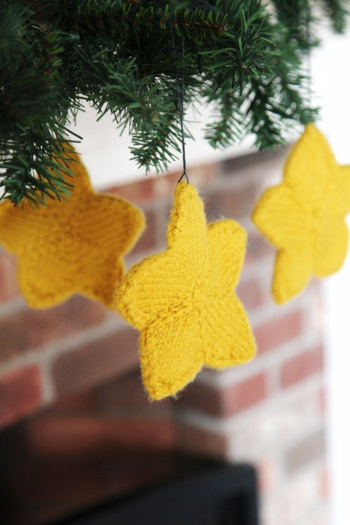 Valley Yarns Knit Stars Pattern To Decorate Your Garland Tree And